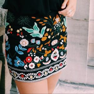 Zara Black Colorful Embroidered Skirt